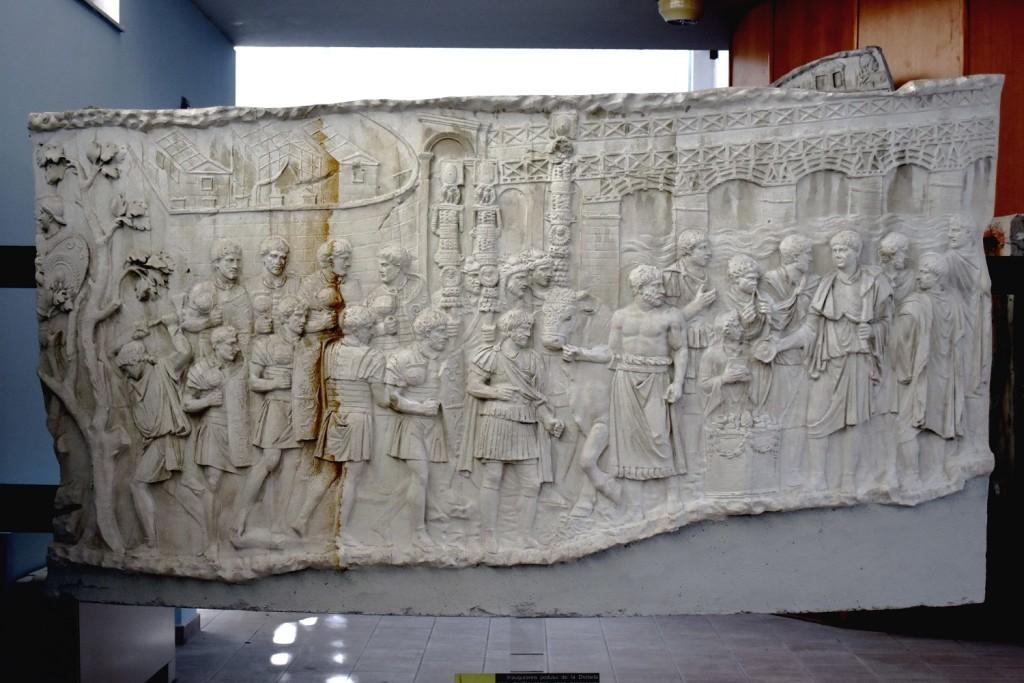 Podul lui Apoloor. Columna lui Traian
